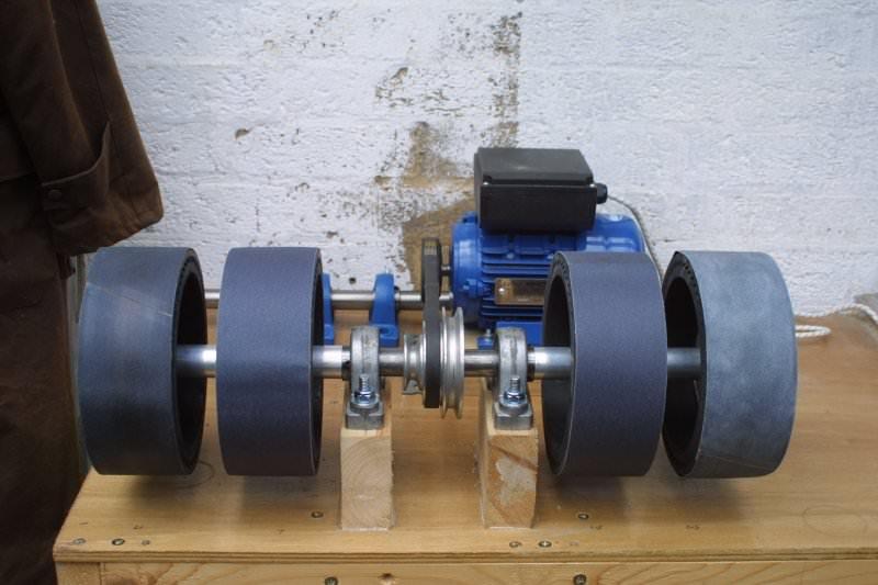 A 4 wheel expanding drum machine