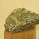 labradorite-rough-010c